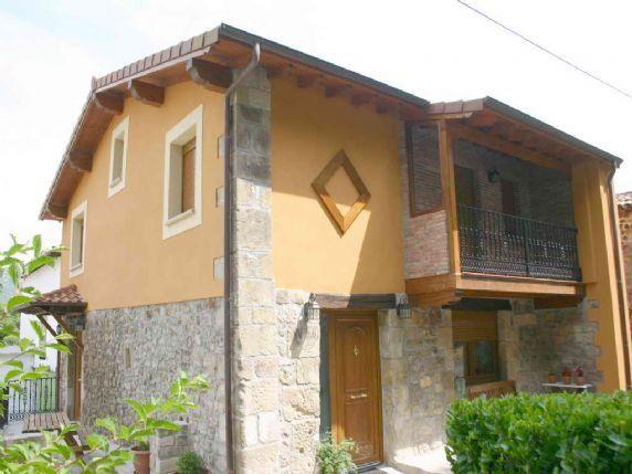 Casa con balcón de 6 habitaciones