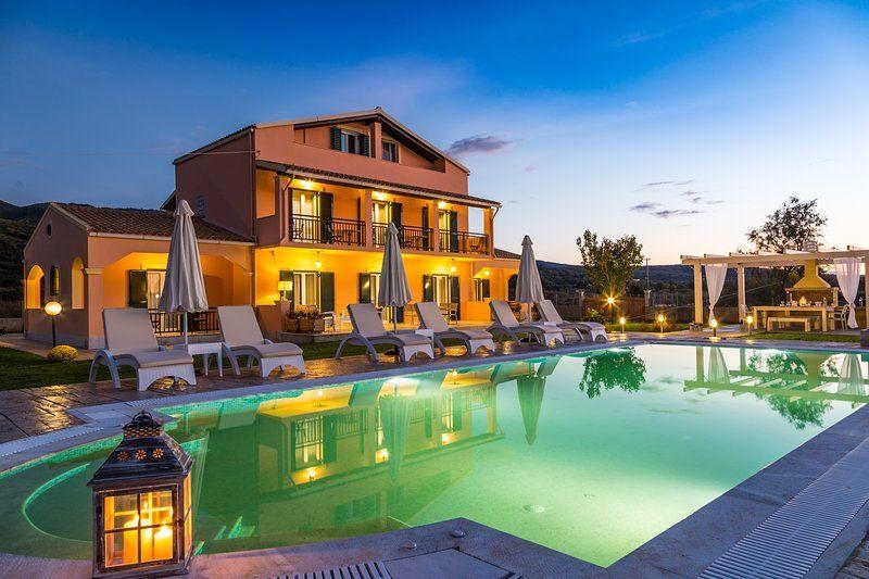 Modern, New villa very Close to the Virgin Beach !