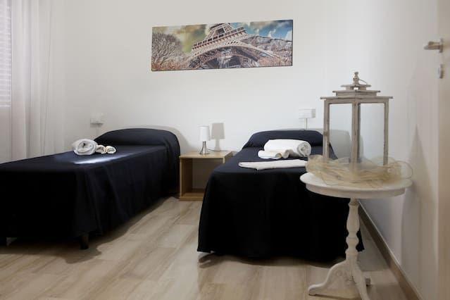 Alojamiento de 2 habitaciones en Piacenza