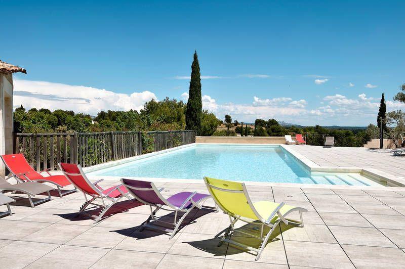 Alojamiento para 6 huéspedes con piscina