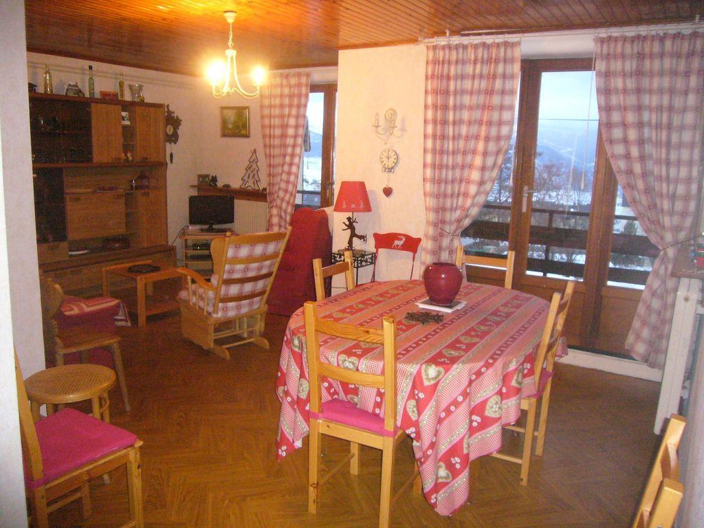 Alojamiento en Font romeu con balcón