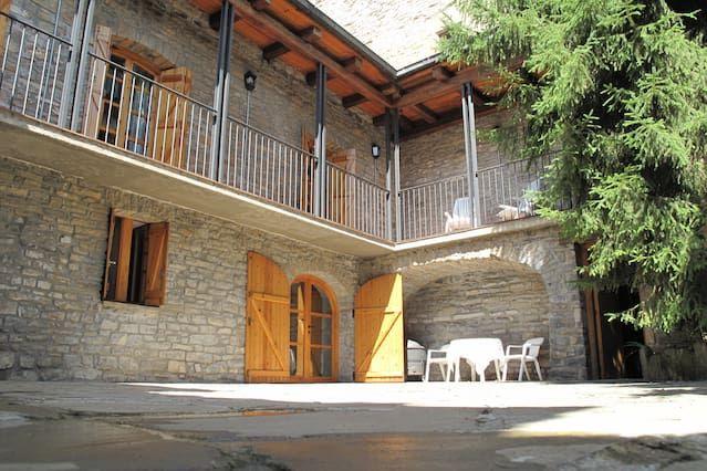 Alojamiento para 8 personas de 3 habitaciones