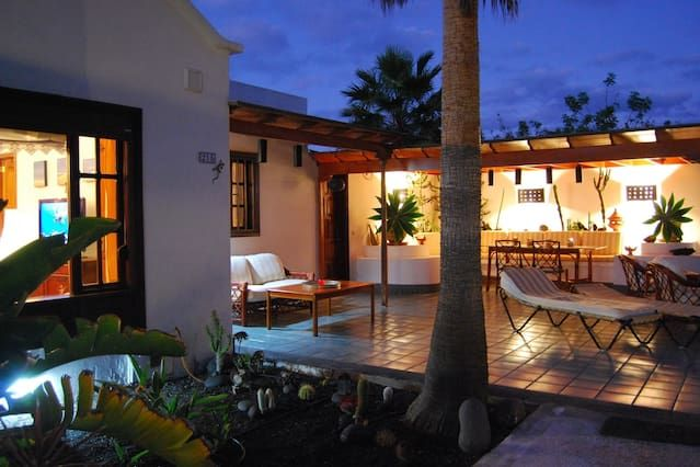 Flat in Costa teguise with garden