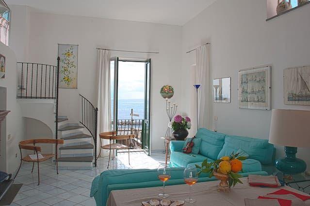 Apartamento de 120 m² en Atrani