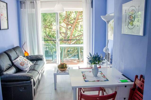 Apartamento  150m de playa y tren, 25 km Barcelona