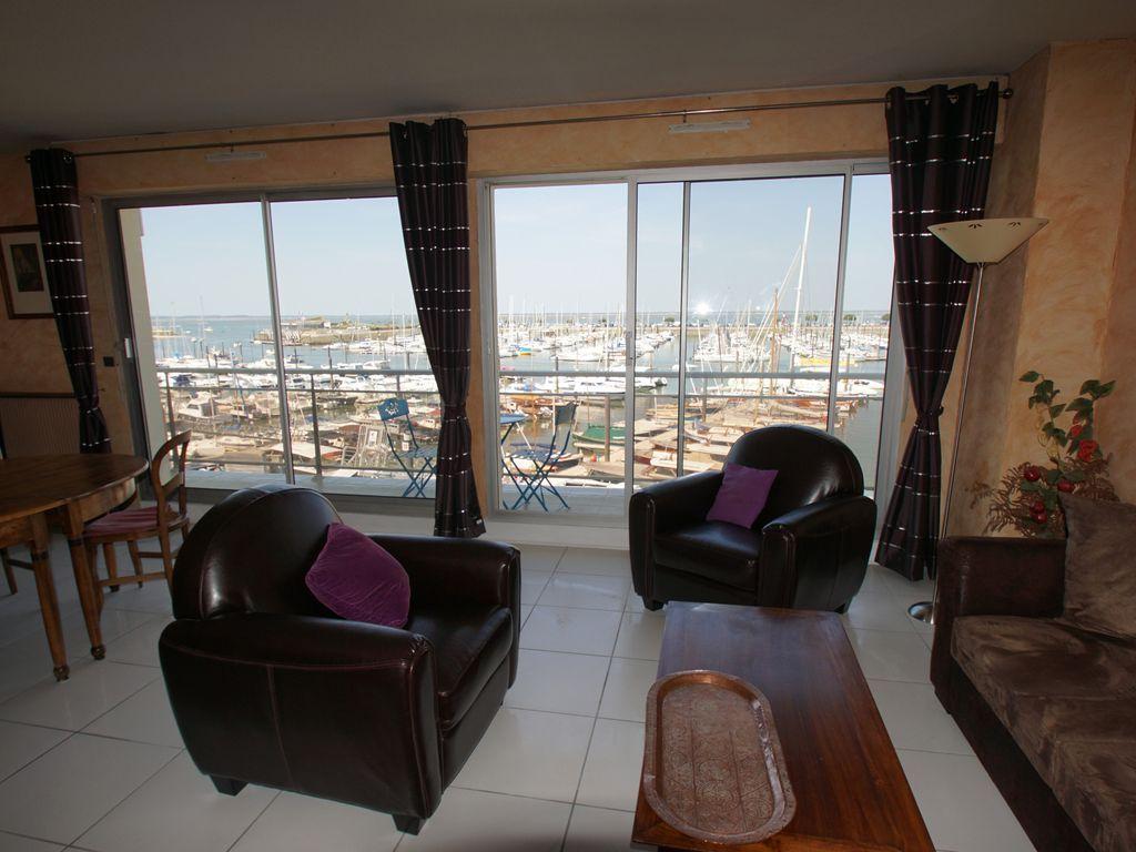 Piso con balcón de 2 habitaciones