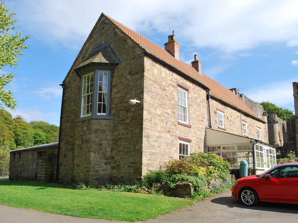 Abbey Finchale, primer piso dentro de un histórico 11 granja del siglo.