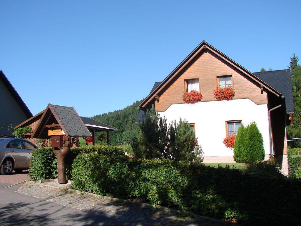 Ferienunterkunft mit 2 Zimmern und Wi-Fi