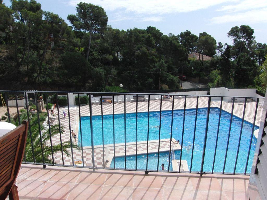 App 4 personas- frente a la maravillosa grde piscina- playa- 100m Calella de Palafrugell
