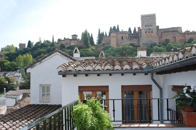 Attic with Alhambra views