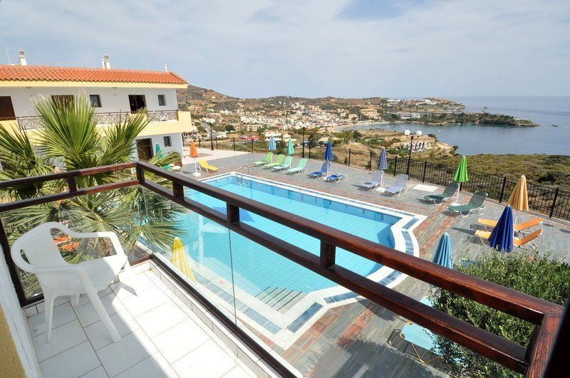 Apartment for 4 guests in Agia pelagia