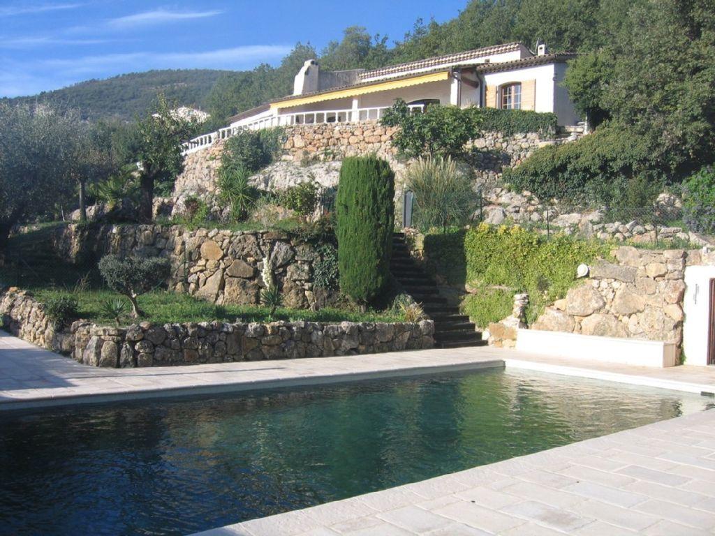 Exclusiva villa con piscina privada en divagaciones jardín mediterráneo