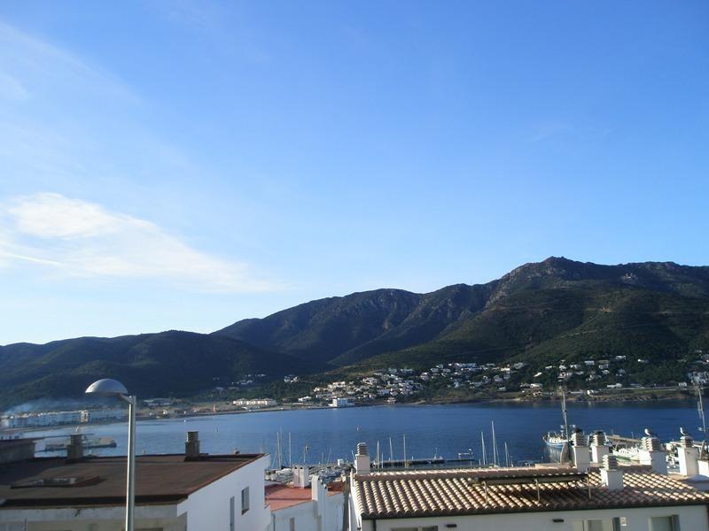 1457 -  Casa con vistas al mar y te