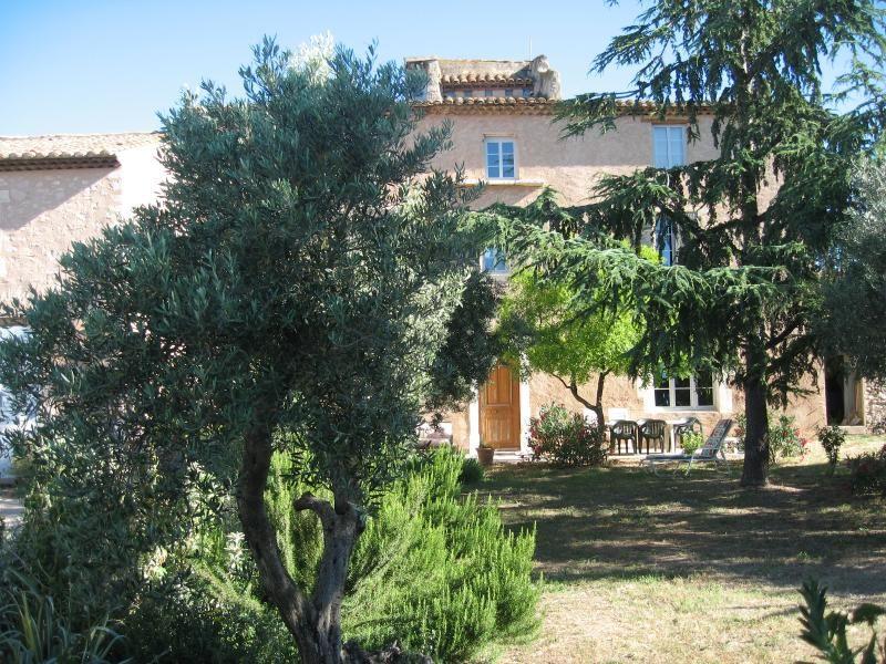 Studio Le Pigeonnier dans Vieux Mas Provençal