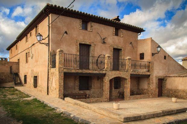 Casa en Cella con jardín