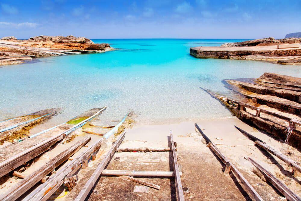 Crique Es Caló Formentera