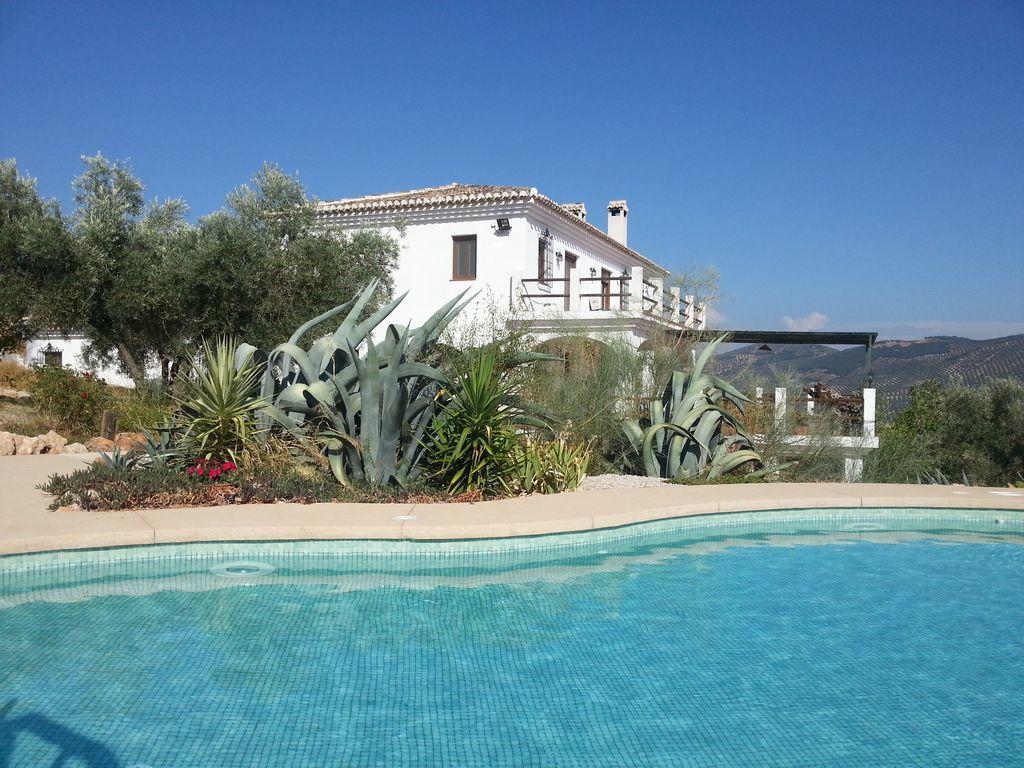 Casa en Iznájar con piscina