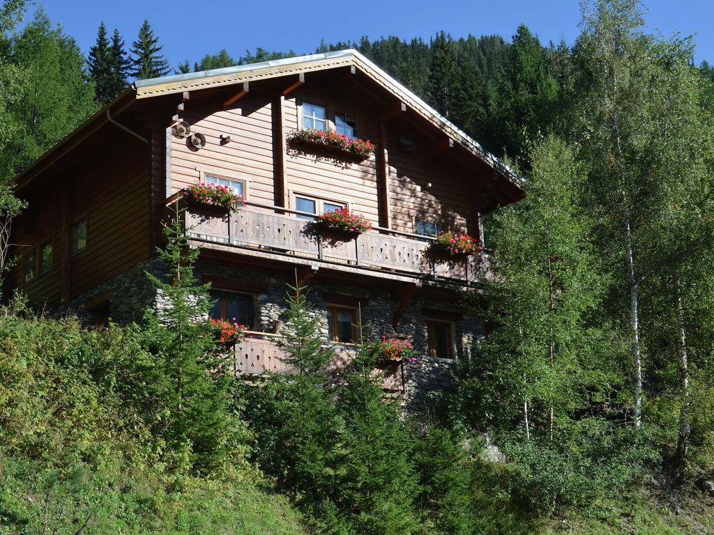 Residencia para 10 personas de 3 habitaciones