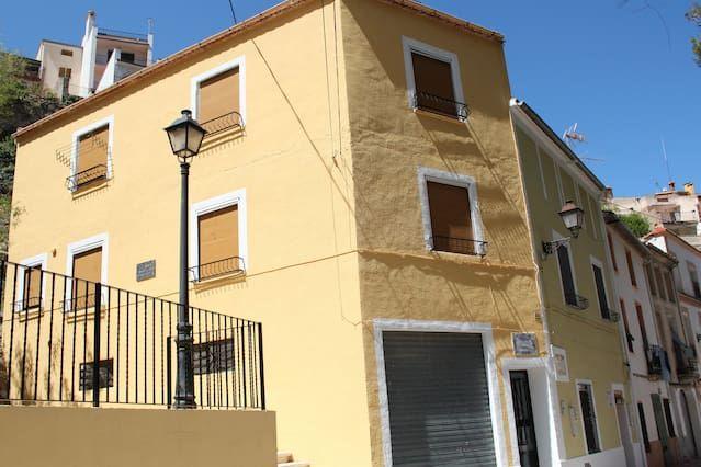Alojamiento para 8 personas de 2 habitaciones