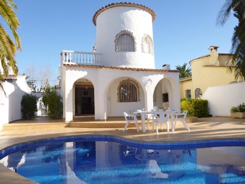 Villa Llobregat - Dos Habitaciones Piso, Capacidad 8