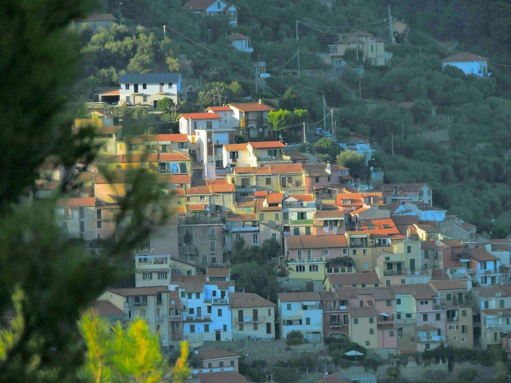 Interesante residencia en Alassio ( frazione moglio)