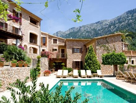 Property with 14 rooms and wi-fi