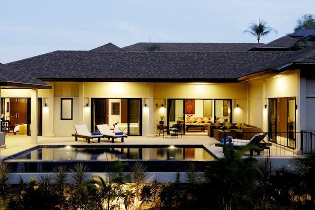Lujo de 4 dormitorios villa de la piscina de borde infinito (todos los servicios)