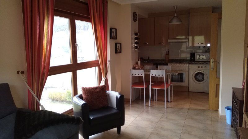Apartment for 4 people in Felechosa