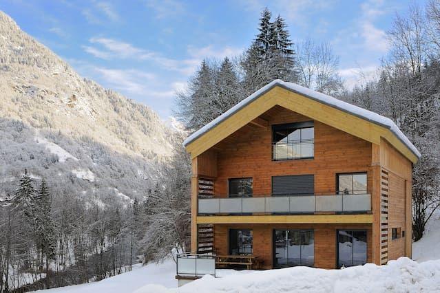 Casa popular en Bozel