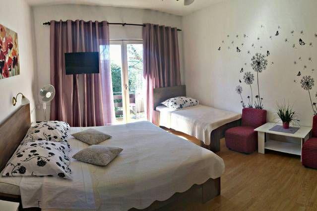 Residencia con jardín en Barbat na rabu