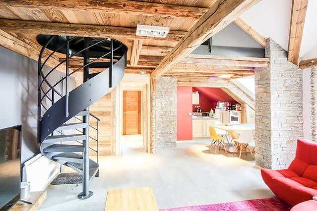 Duplex casa, madera y piedra