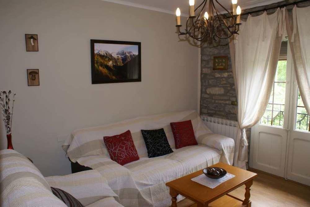 Estupenda residencia en Sarvisé