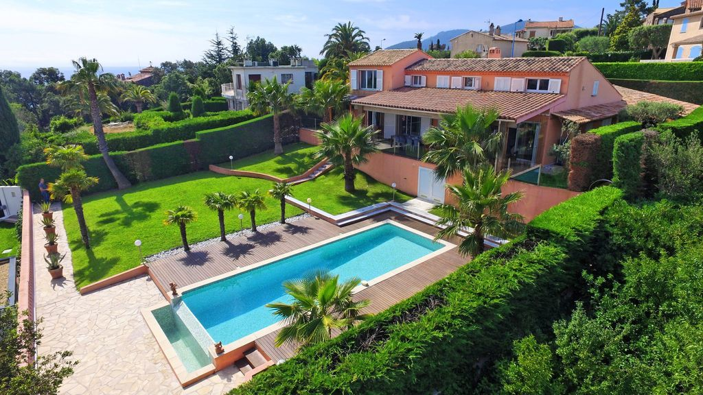 Casa de 180 m² en Mandelieu