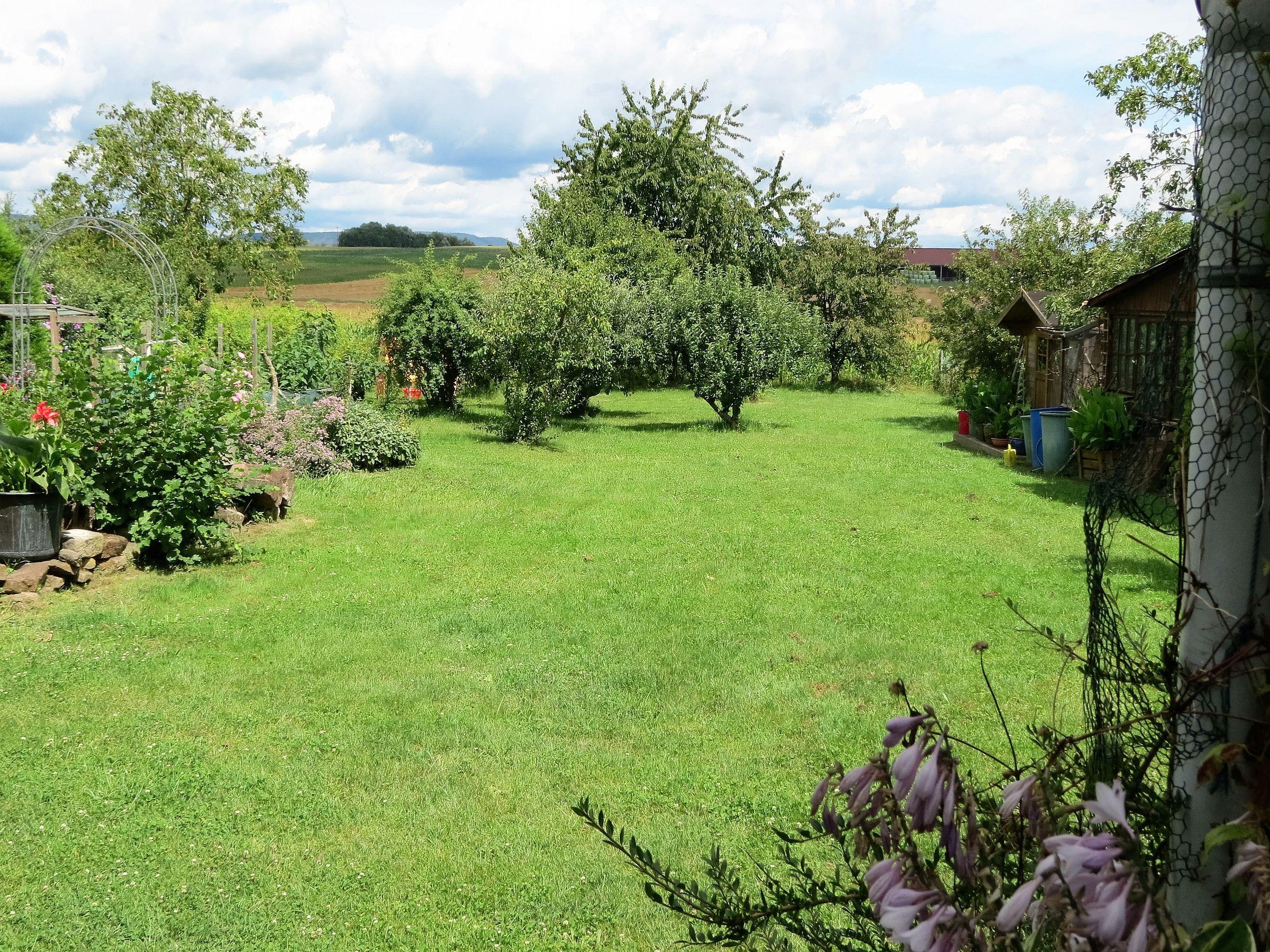 Alojamiento para 3 personas con jardín