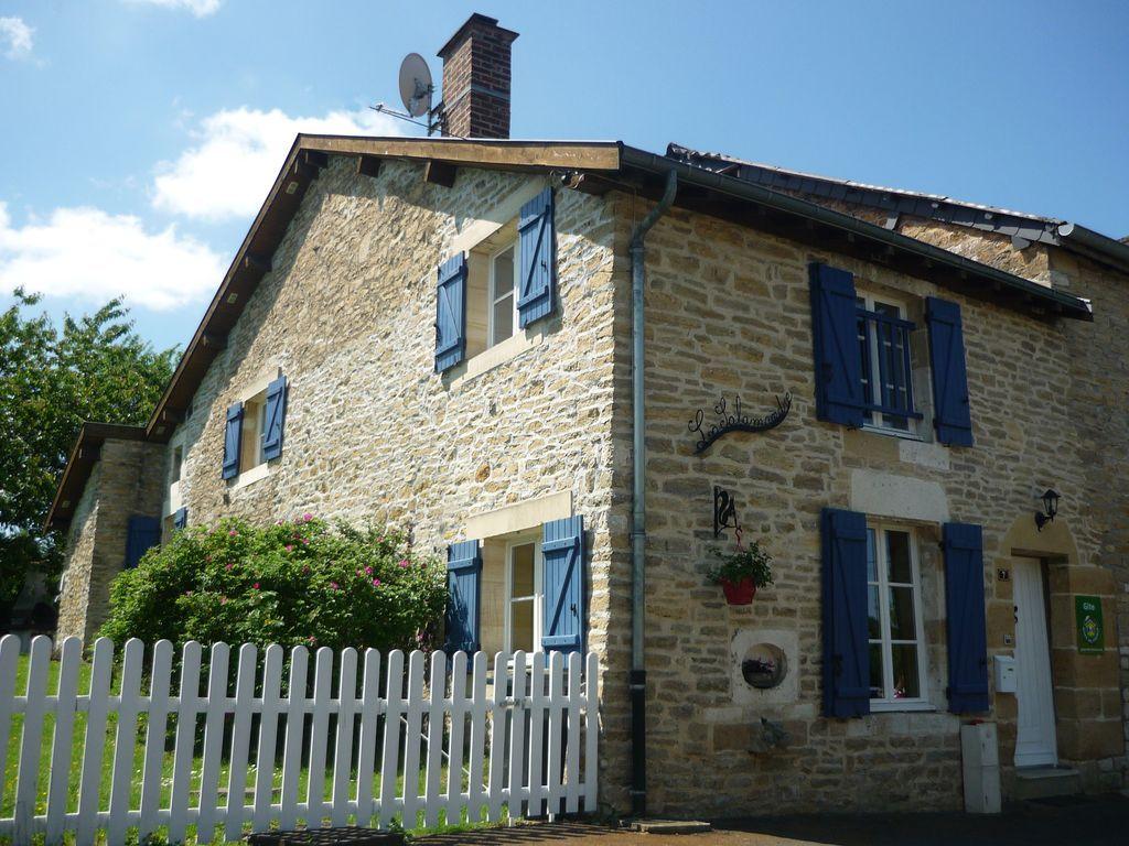 Alojamiento con parking incluído en Montigny sur vence