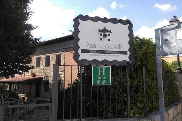 Residencia con parking incluído en Robledillo de la jara