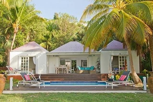 Quiet, peaceful villa, close to beach with a pool and spa WV EZE