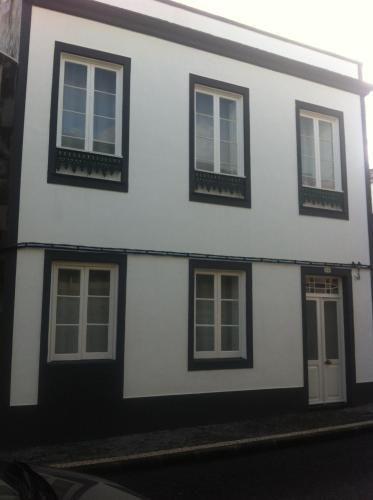 Casa atractiva con parking incluído