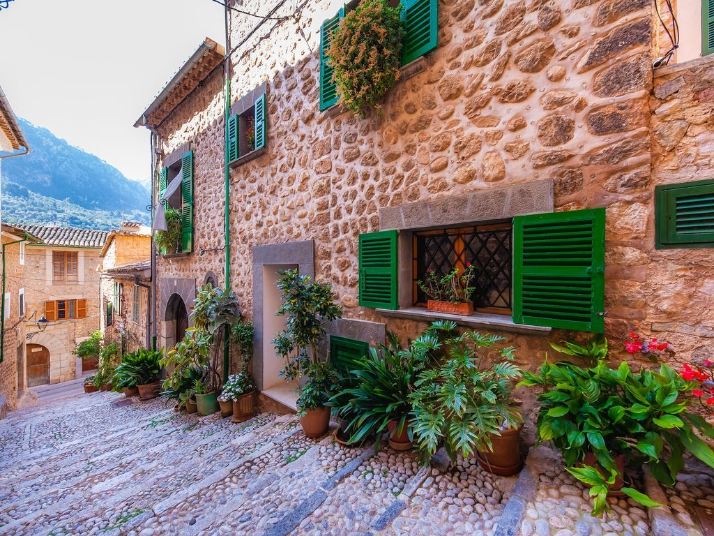 Property in Fornalutx for 5 people