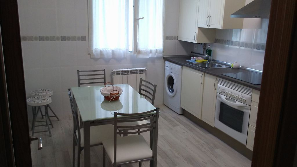 Apartment with 3 rooms in Oviedo
