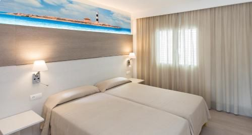 Apartment family in Es cana