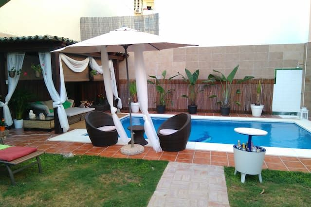 Amazing villa in Fuengirola for up to 16 people with pool  and chi...