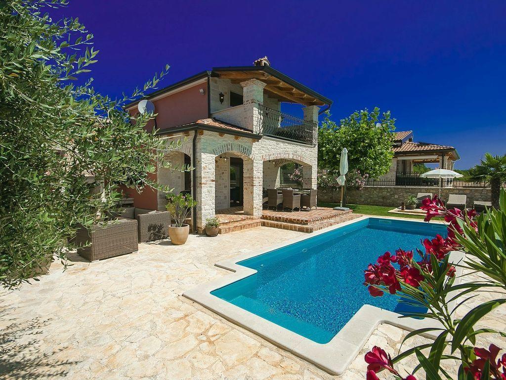 Casa de 165 m² en Tar