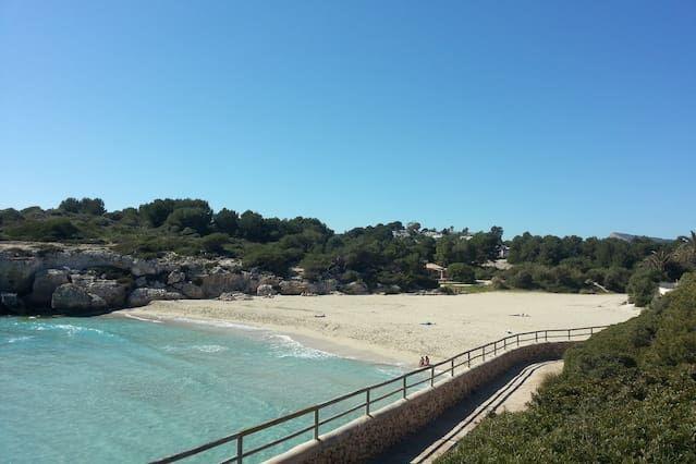 With views apartment in Calas de mallorca