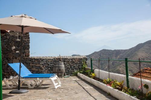 Acogedora y tranquila casa con vistas al mar y a todo el valle de Hermigua.WIFI