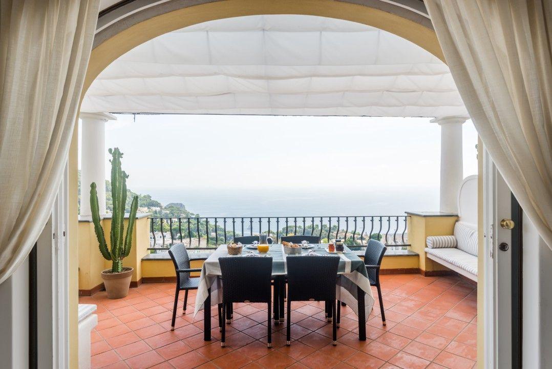 Apartamento con jardín en Capri