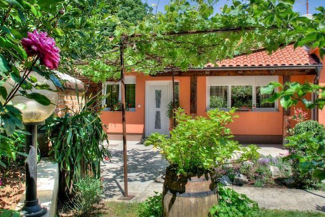 Acogedora casa con un gran patio trasero