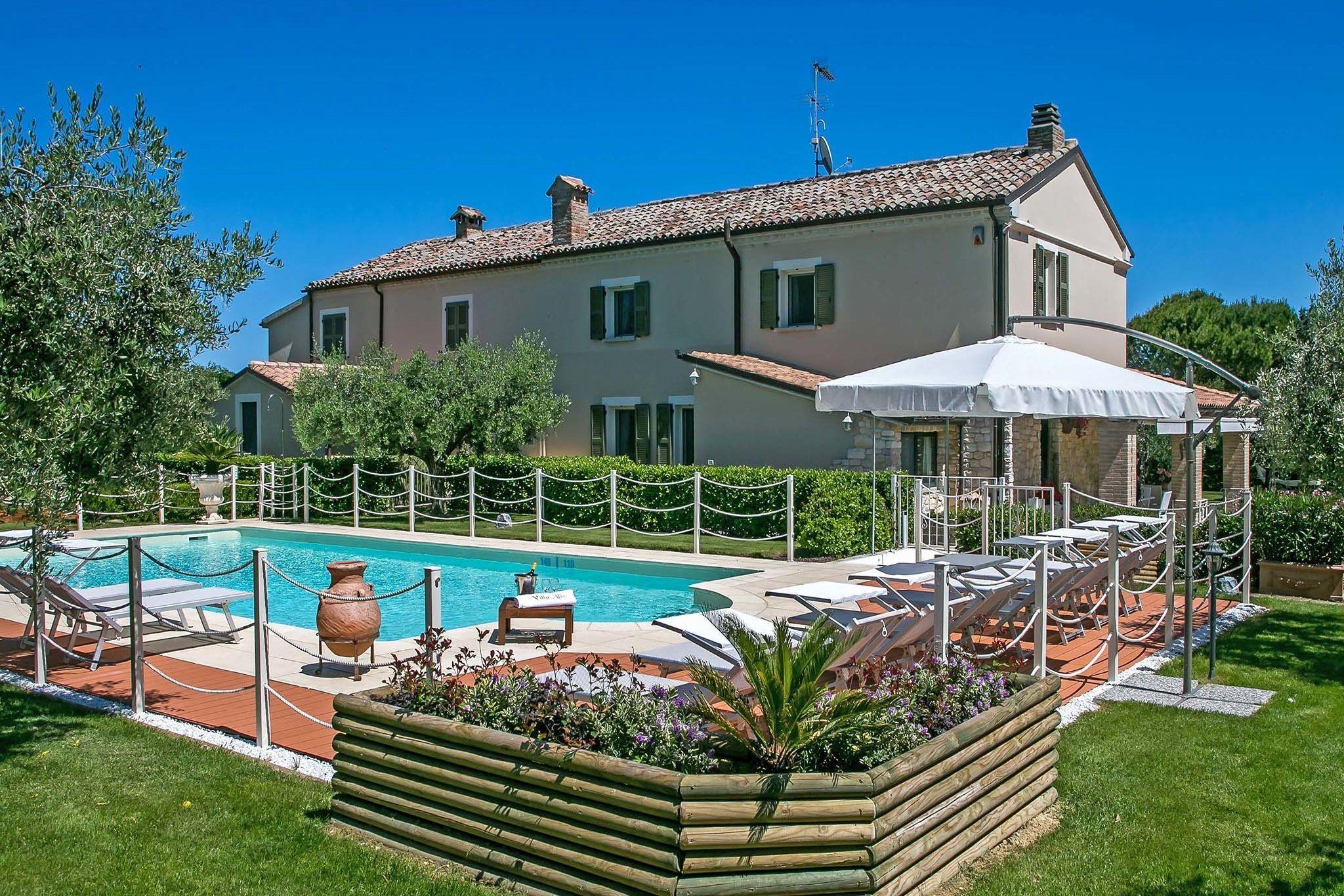 Residencia de 200 m² con piscina