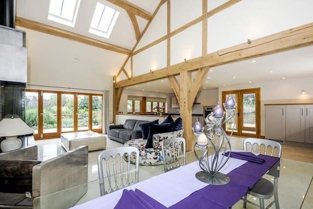 Luxurious Barn near Horsham - Farm Setting