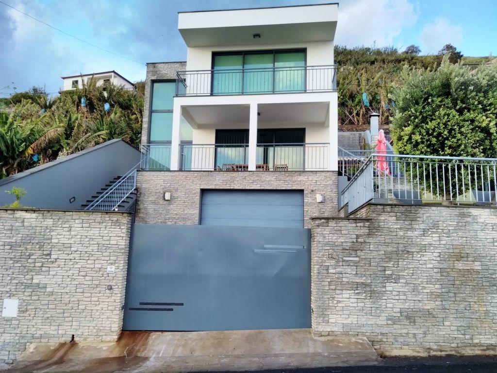 Familiar casa de 332 m²